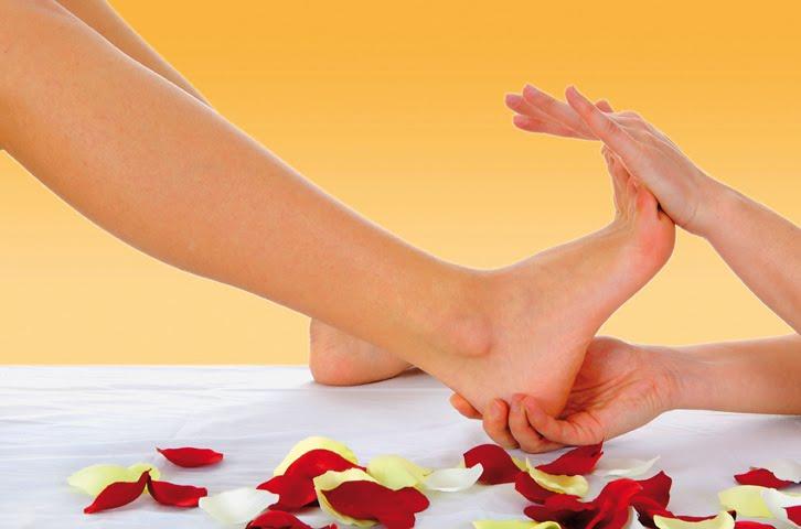 """Trung y khuyên chăm sóc tốt """"con tim thứ hai"""" của cơ thể: Bàn chân"""